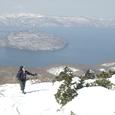 十和田湖を望む